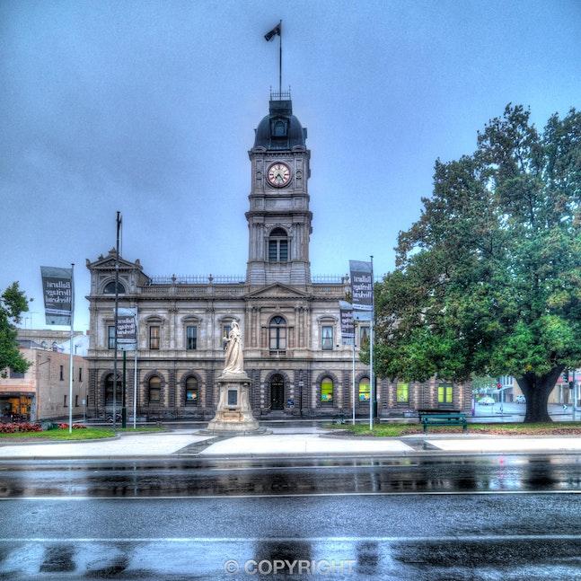 Ballarat-Town-Hall_Rain_0070_20130423