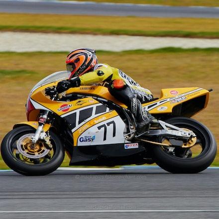 Ryan Farquhar, Race 2 - Turn 4, Race 2, Int. Challenge   (File 0841)