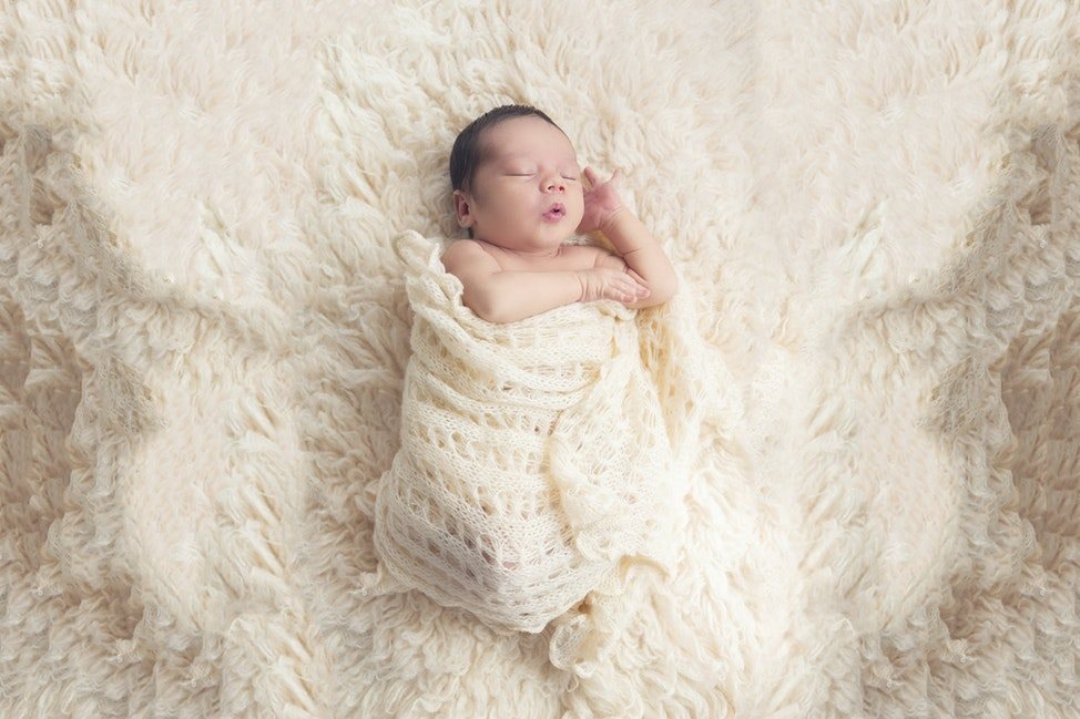 carinobambino - capture those first special, unique moments with our Newborn Photography - to 3 months