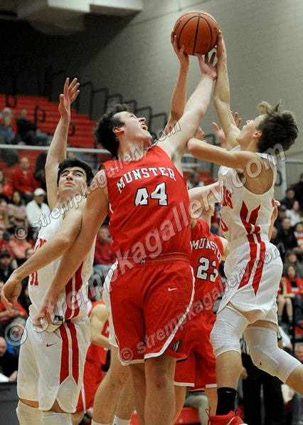 11_BB_MHS_CP_DSC_2380 - Munster vs. Crown Point - 12/15/17