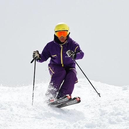 1103_Carlos_Skiing_441