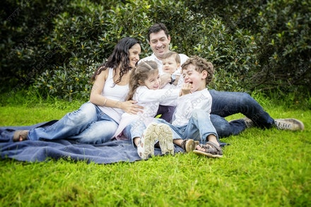 Internet HiRes 309 Kelly Family - 18th May 2014 - Centennial Park - Family Portrait - sydney family photographer
