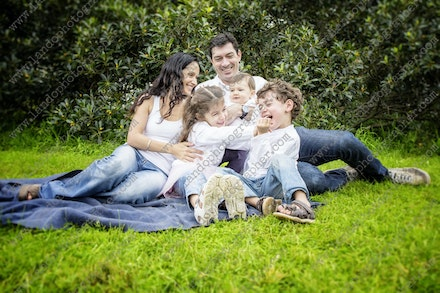 Internet HiRes 309 Kelly Family - 18th May 2014 - Centennial Park - Family Portrait - sydney family photographer