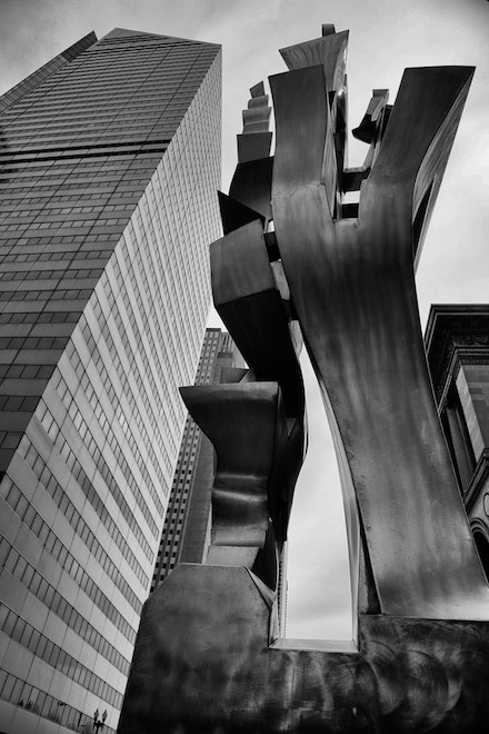 MG_2251 We Will Sculpture, Chicago - Sculpture We Will, 2005 Richard Hunt The Heritage at Millennium Park Garland Court and Randolph Street  CHICAGO