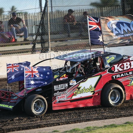 V8 Dirt Modified Aus Champs night 1