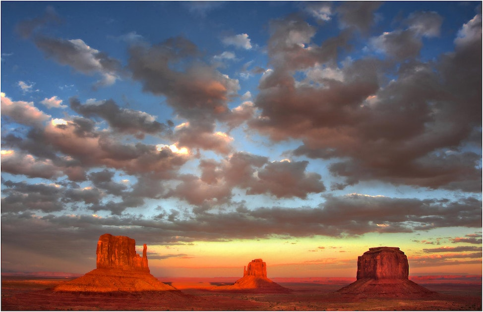 Monument-Valley-Dusk-AZ077-11x17
