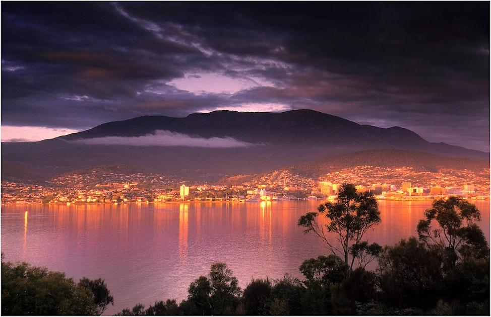 Hobart-Dawn-TAS01981803-11x17
