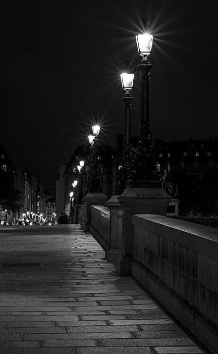 042 Paris Day 10 210915-0436-Edit - Pont Neuf the oldest bridge in Paris, again I have tried to capture the street lights