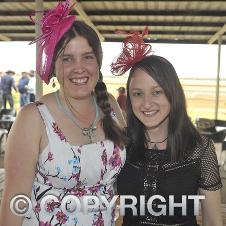 161022_SR20247 - At the 2016 Isisford Races