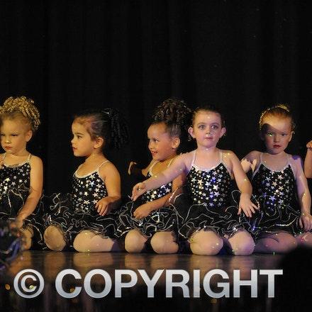 161112_SR23123 - Longreach School of Dance production of Wonka, Saturday November 12, 2016